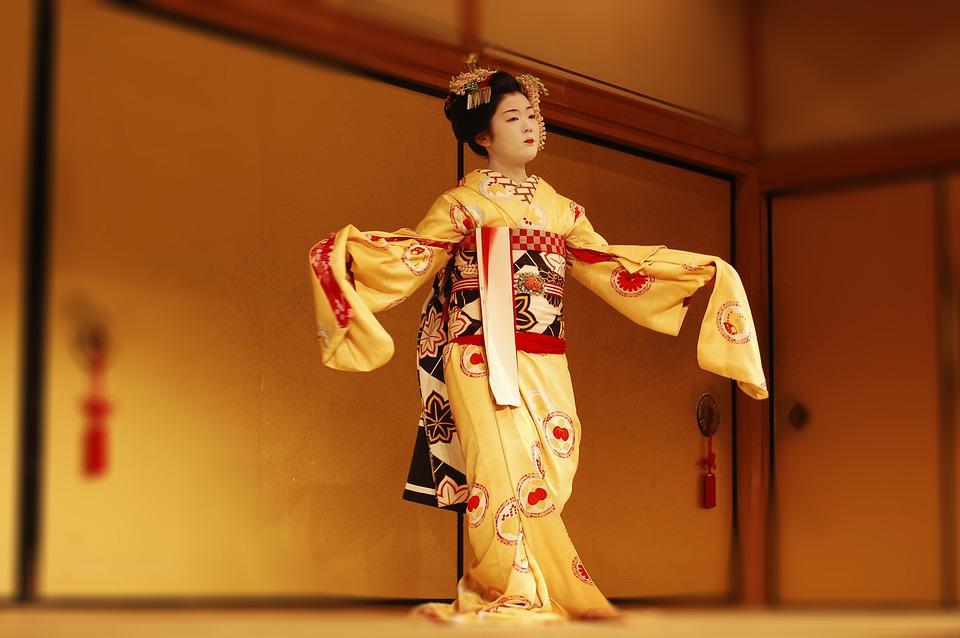 japan 1416901 960 720 - 道成寺の踊り